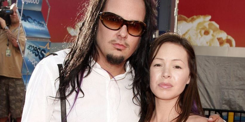 Korn lead singer Jonathan Davis' wife Deven dies at the age
